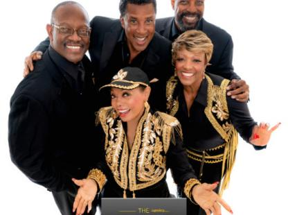 Photo to the 5th Dimension Group